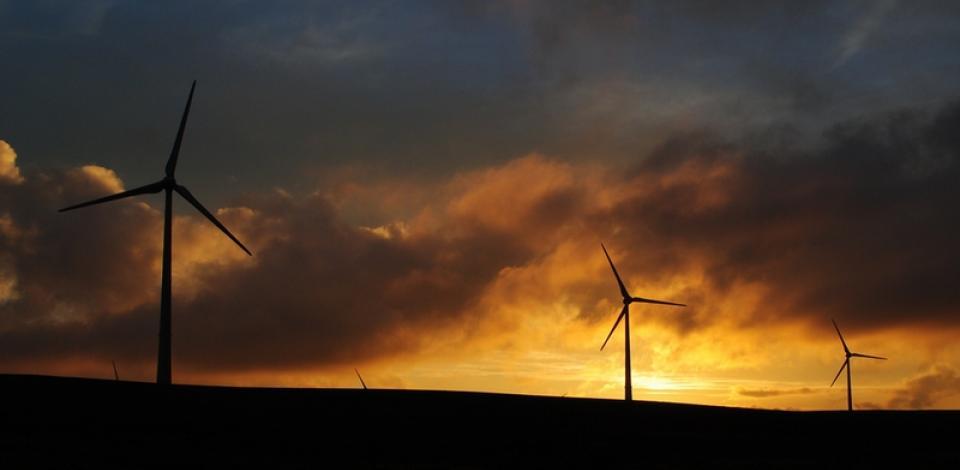 éolienne, coucher de soleil nuit vent